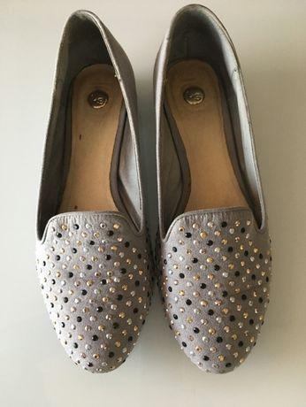Продавам дамски обувки на Jessica Simpson и дамски боти
