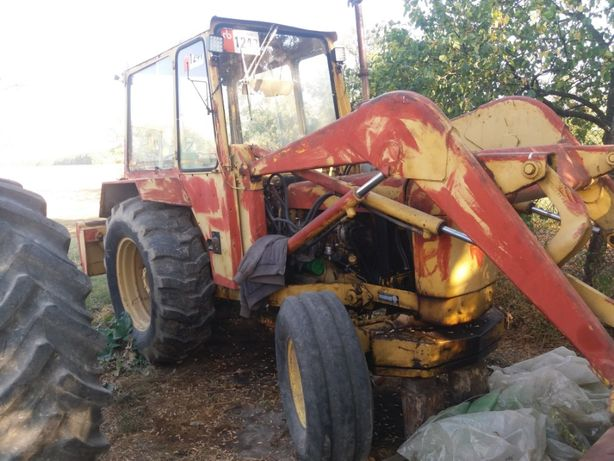 Dezmembrez buldoexcavator John Deere 400A