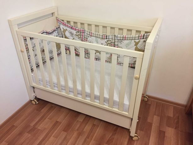 Детская кроватка (манеж) Micuna.
