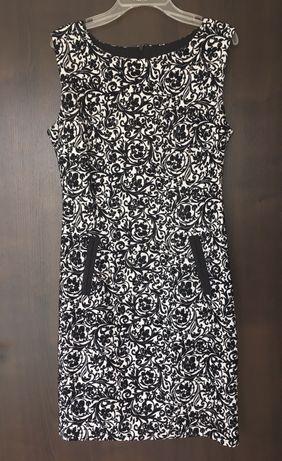 Бутикова рокля в черно и бяло