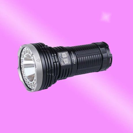 Lanterna profesionala Fenix LR40R 12000 lumeni foarte puternica