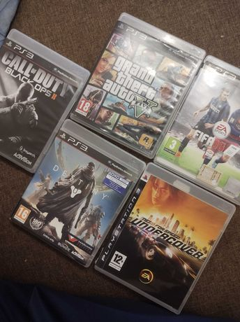 Vând PS3 plus jocuri GTA 5 și FIFA 16