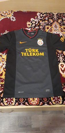 Vand tricou Galatasaray mărimea S calitate superioara în stare buna