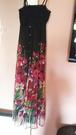 Vand rochie cu imprimeu floral.marimea s