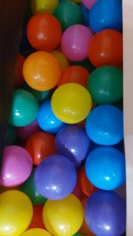 Продам шарики для сухого бассейна около 300 штук