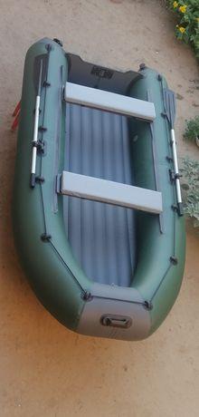 Лодка килевая под мотор до 18лс