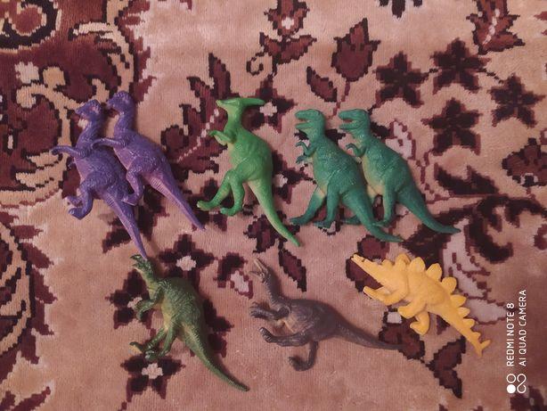 Продам динозавров