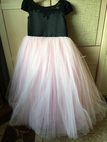 Vand rochita tul roz, pentru ocazii, fetite 7 - 10 ani