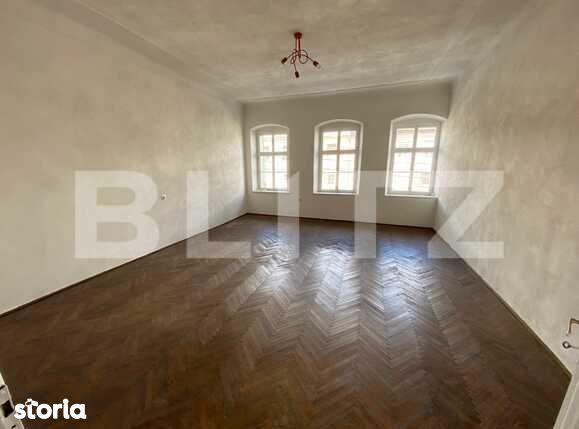 Apartament spatios la casa in Cisnadie