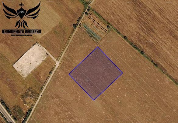 Продавам земя 11945кв.м. на пътя Асеновград-Пловдив трета линия