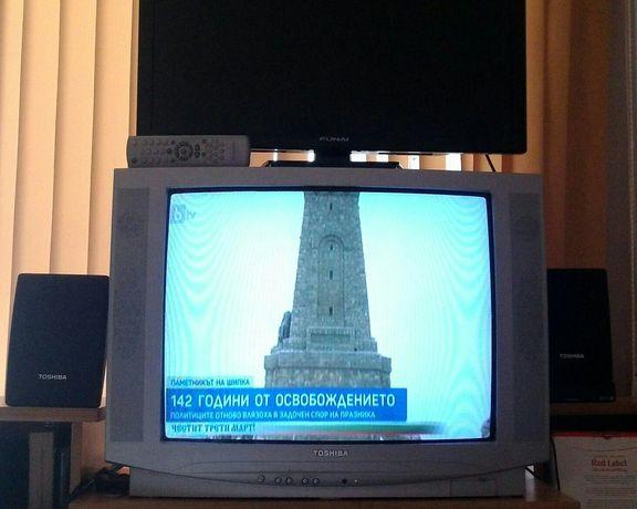 "28"" телевизор Toshiba и 29"" LCD HD TV Funai"