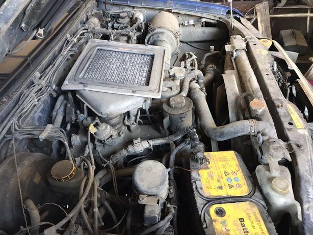 Motor Nissan Navara D22
