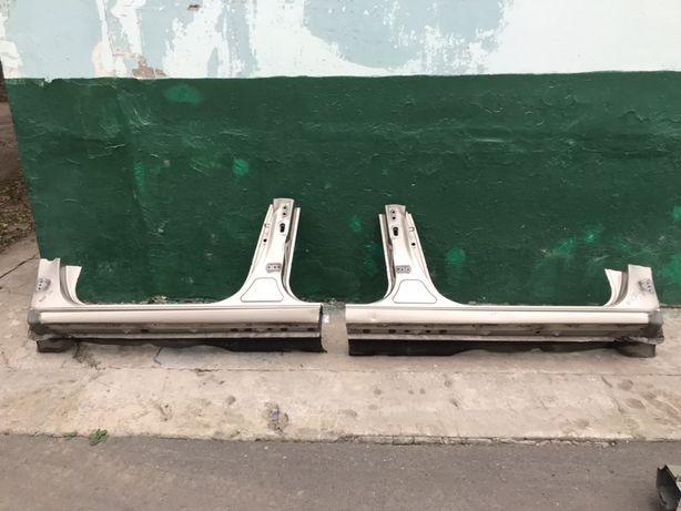 Порог стойка Т-образная стойка на Тойта Камри 30/40 Toyota Camry