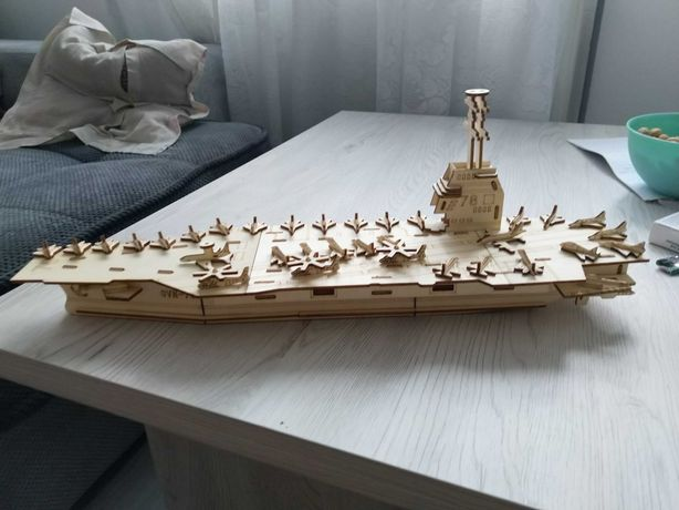 Macheta portavion din lemn