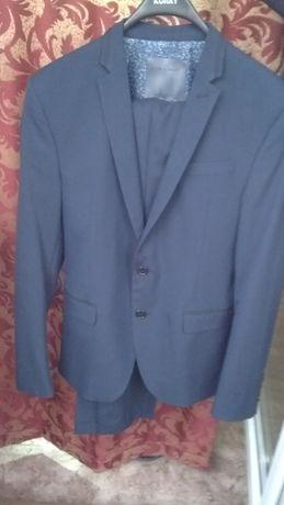 Мужской костюм синего цвета,46разм.,новый