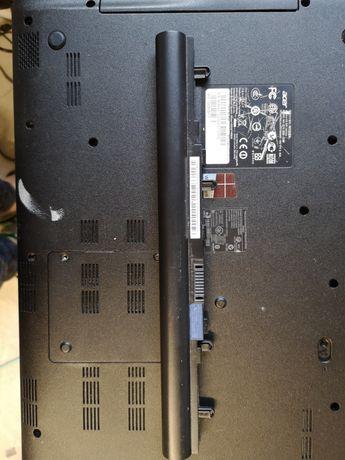 Baterie Acer aspire v5 551 perfect funcțional. Tine cam 2 ore.