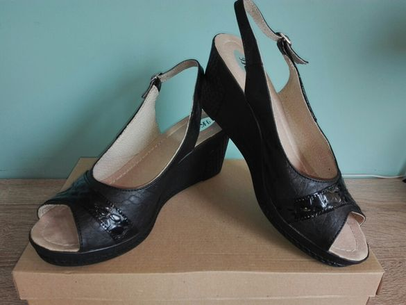 Български дамски обувки №40