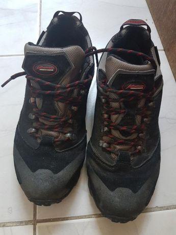 Нови немски туристически обувки