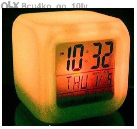 7 Led часовник - будилник сменящ цвета си