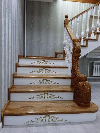 Лестницы на заказ из ценных пород древесины. Каркас из металла.