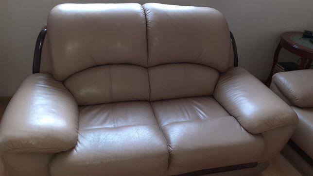 Срочно продам диван и кресло, натуральная кожа