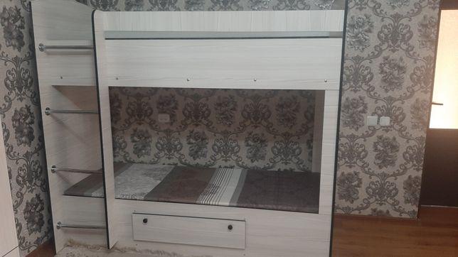 Продам двухярусный кровать