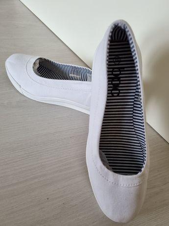 Продам женские туфли текстиль