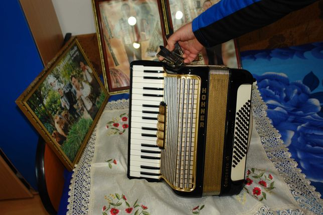 vind acordeon  hohner  3 72 basi
