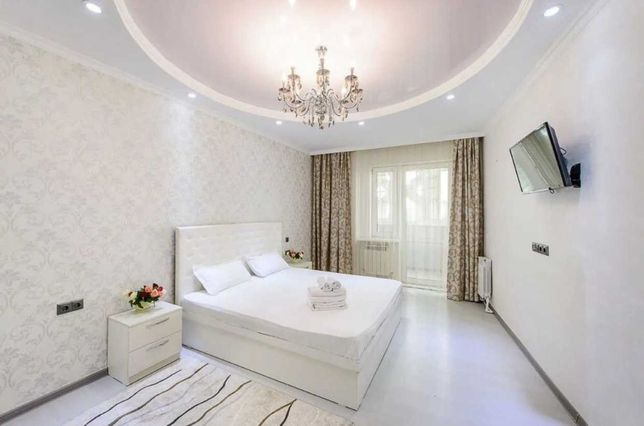 Квартира посуточно в Жк Арай на Сатпаева Жарокова в центре Алматы
