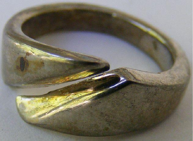 Inel vechi din argint (F)