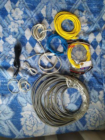 Шнуры от зарядки и телефона