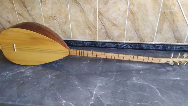 Турецкий саз (баглама)