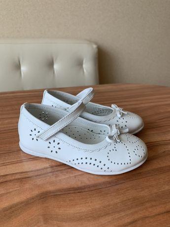 Детские туфли 24 и 22 размер, кожаные