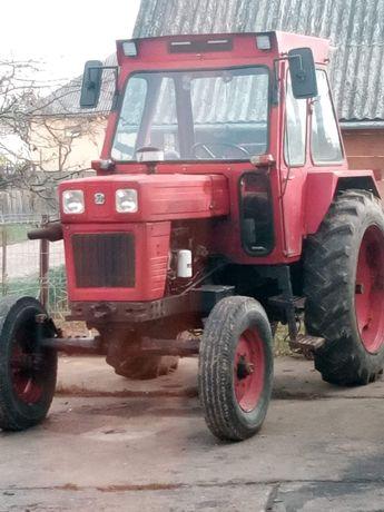 Vând tractor Universal 650