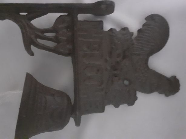 Clopotel vechi de metal