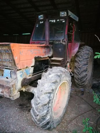 Vând tractor DT 1010