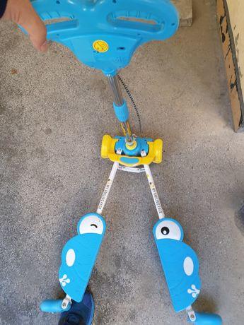 Детска тротинетка скутер