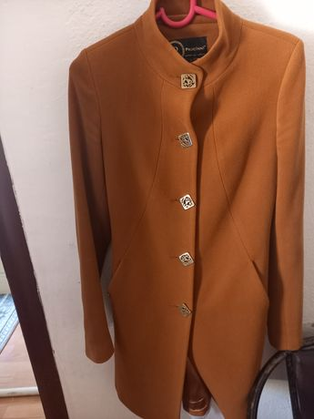 Женская одежда ветровка и пальто