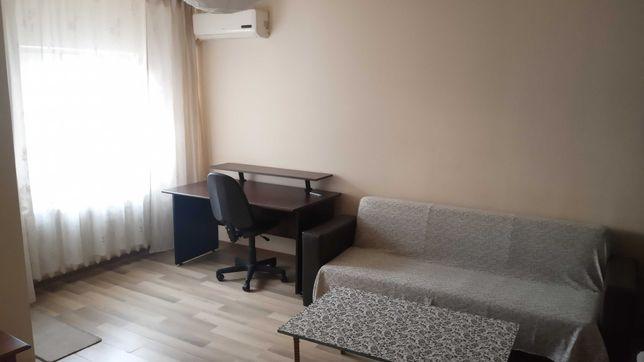 De închiriat apartament 3 camere, zona McDonald's, 280 euro
