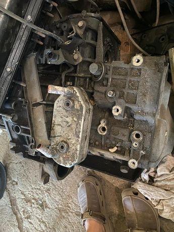 Продам двигатель и коробку автомат на Гольф 4
