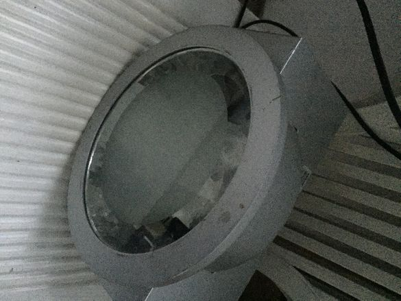 външна много силна лампа