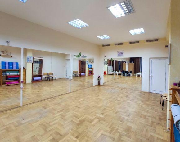 Зала за танци и спорт под наем