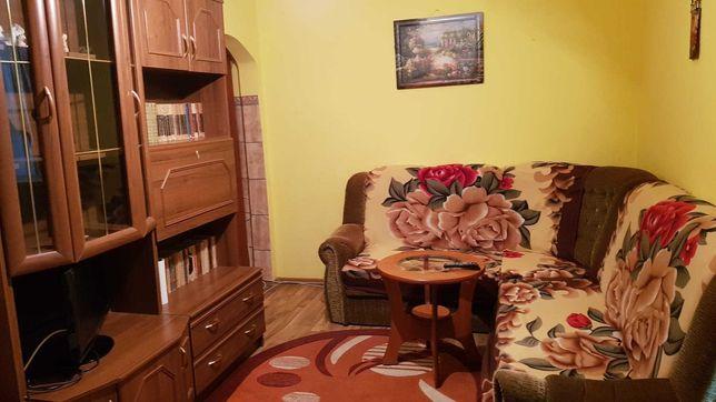 Vand apartament semidecomandat 3 camere- Craiovita, Orizont