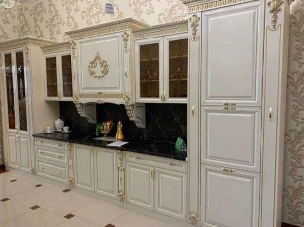 Продам кухонный гарнитур хорошем состоянии