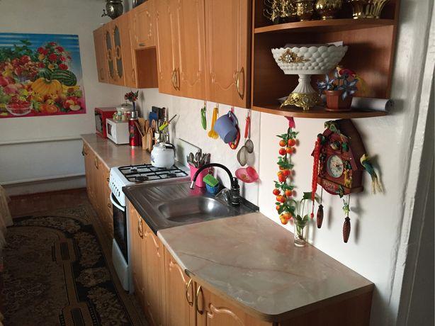 Кухонный гарнитур + газ плита