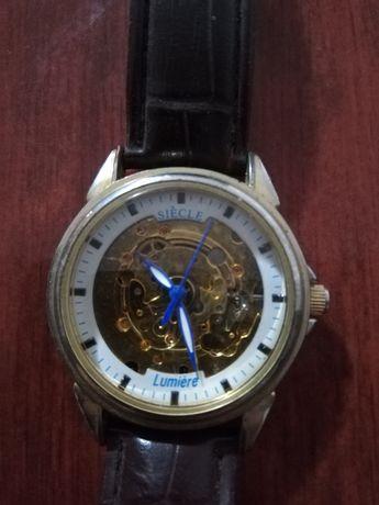 Vând ceas dama automatic