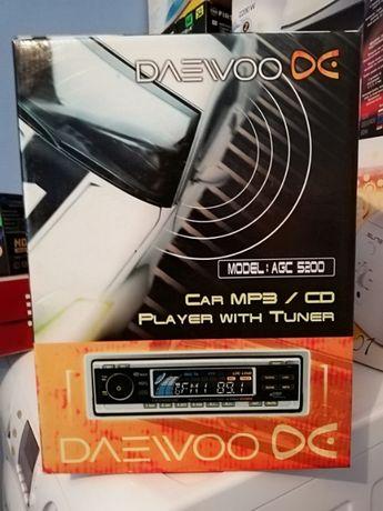 Продавам автокасетофон