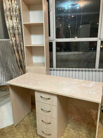 Комплект стол и стеллаж