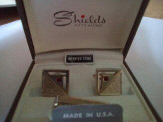 Комплект копчета за ръкавели и щипка за вратовръзка Shields