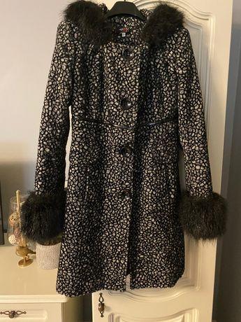 Palton gros cu blana